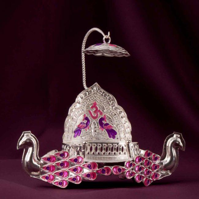 silver swan idol stand singhasan 1